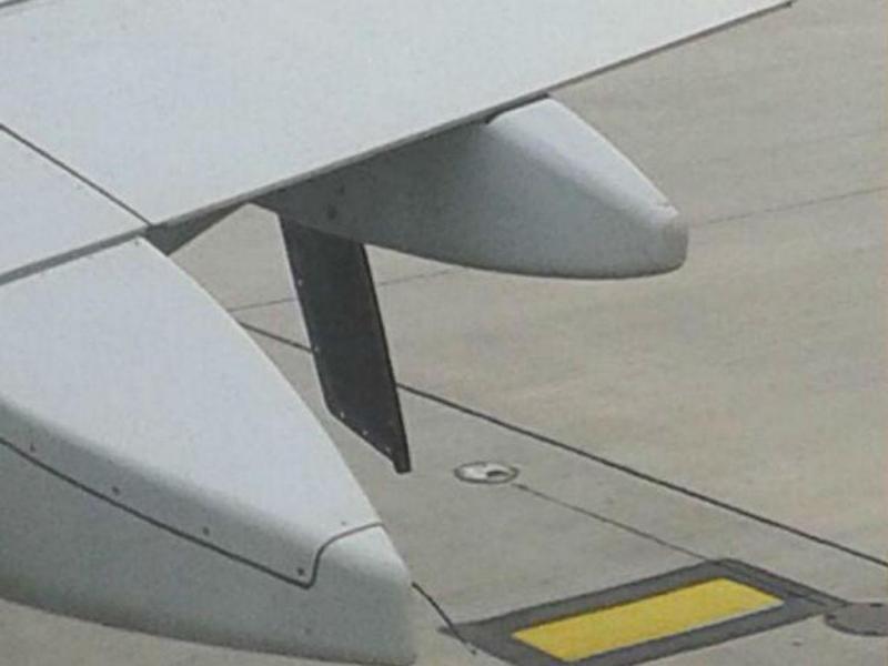 Avião obrigado a aterrar por causa de peça solta na asa (Reprodução Twitter)