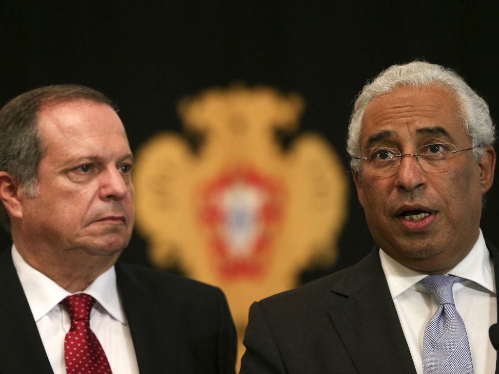Carlos César e António Costa [Lusa]