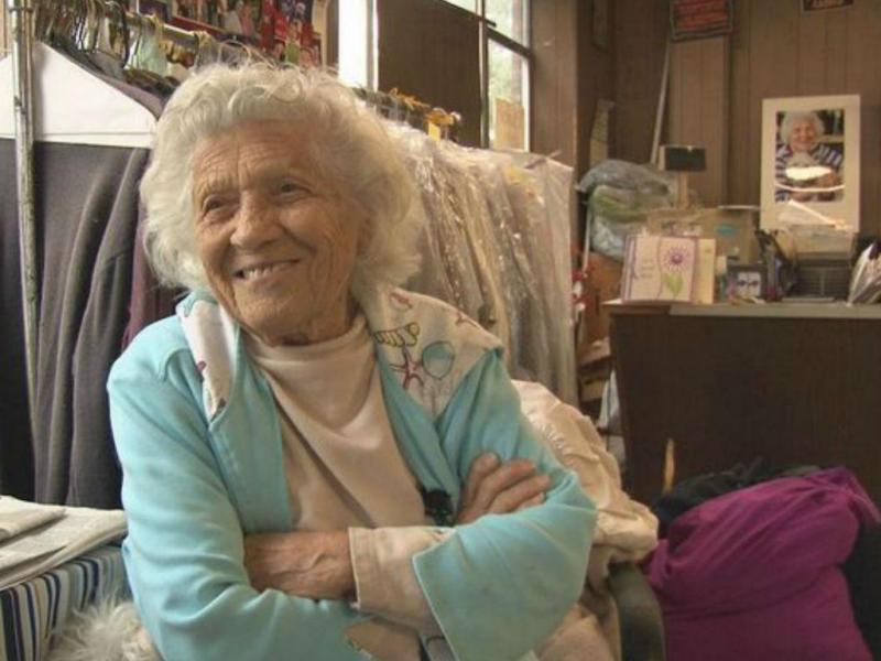 Felimina Rotundo tem 100 anos e trabalha 11 horas por dia, 6 dias por semana