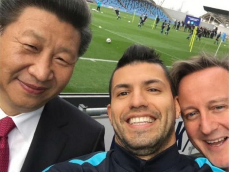 Xi Jinping, Sergio Aguero e David Cameron [Reprodução Twitter Manchester City]