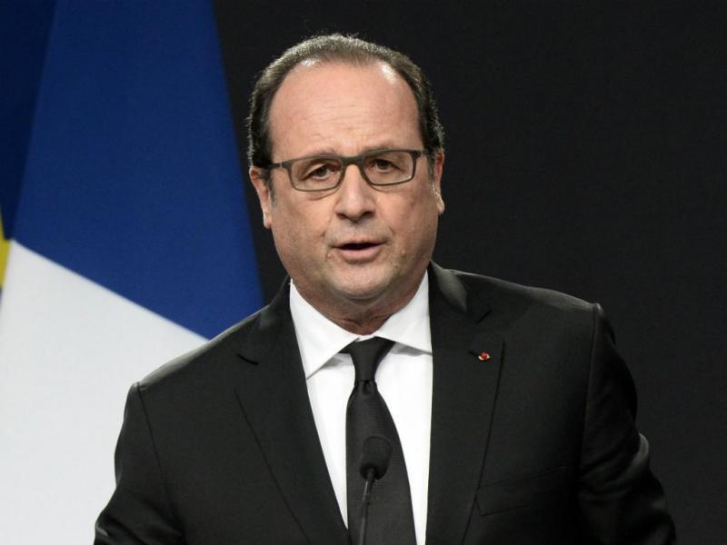 Hollande e Valls marcam presença na homenagem às vítimas