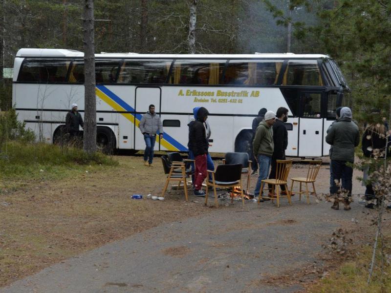 Refugiados barricam-se em autocarro na Suécia (EPA/Lusa)