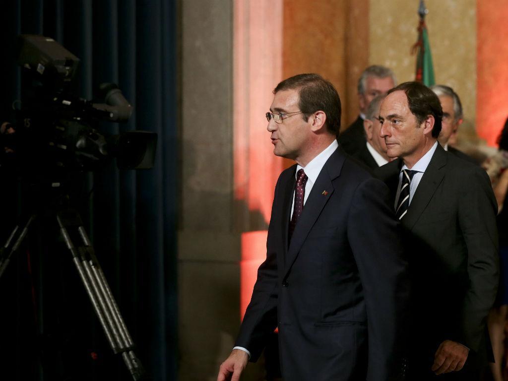 Paulo Portas e Passos Coelho na tomada de posse do XX Governo Constitucional (Lusa)