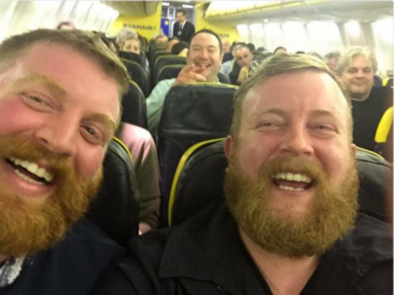 Selfie avião (Foto Imagem Twitter)