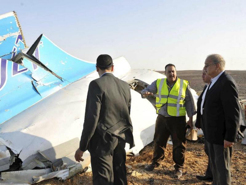 Primeiro-ministro egípcio visita local onde se despenhou avião russo