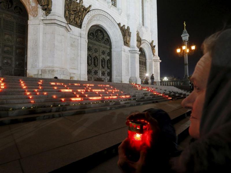 Homenagem às vítimas da queda do avião russo (Reuters)