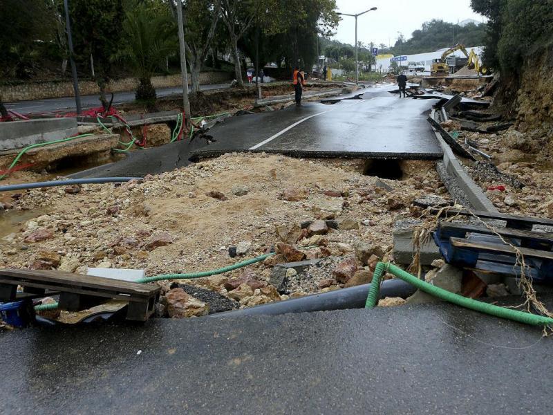 Chuva causa estragos em Albufeira