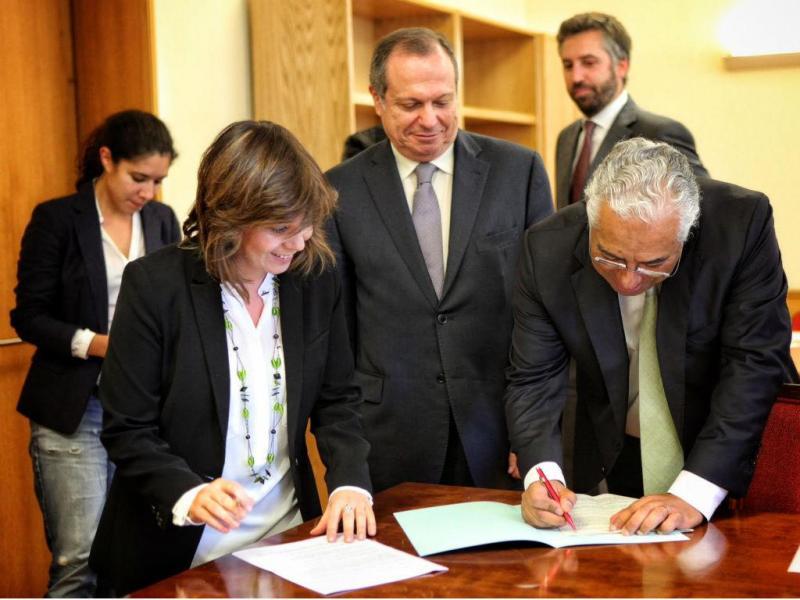 Novas imagens da assinatura do acordo à Esquerda (PAULO HENRIQUES)