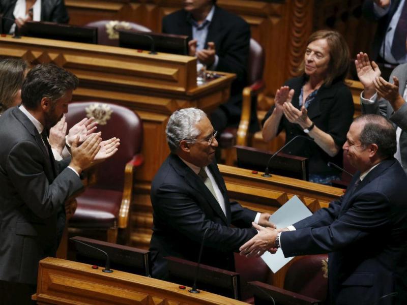 Pedro Nuno Santos, António Costa e Carlos César (Foto: Reuters\André Marchante)