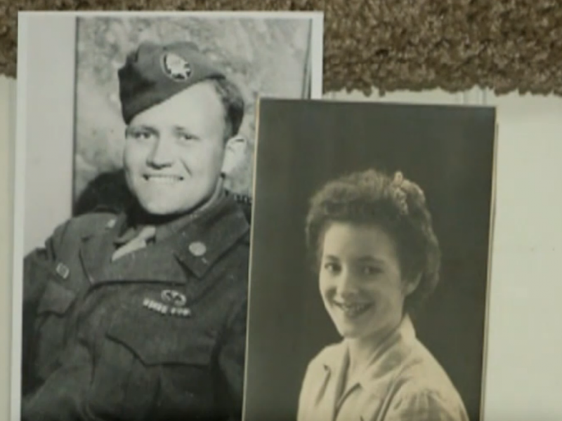 Namorados encontram-se 71anos após o fim da 2ªguerra mundial (Reprodução: vídeo ABC news)