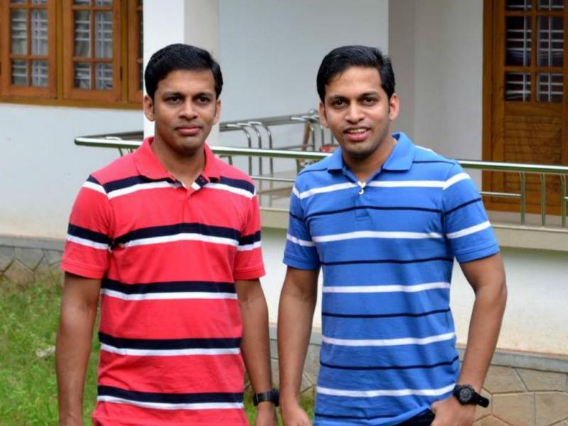 Gémeos Dinker e Dilraj Varikkassery (Reprodução Facebook: Dilraj Varikkassery)