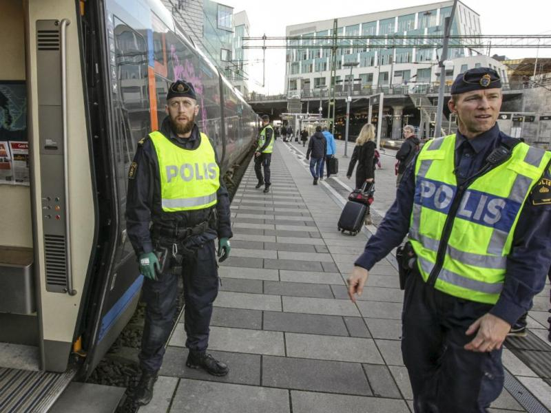 Polícia sueca começa a controlar entrada de refugiados