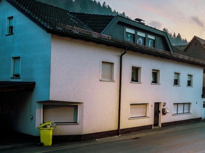 Casa na Alemanha onde foram descobertos corpos de bebés