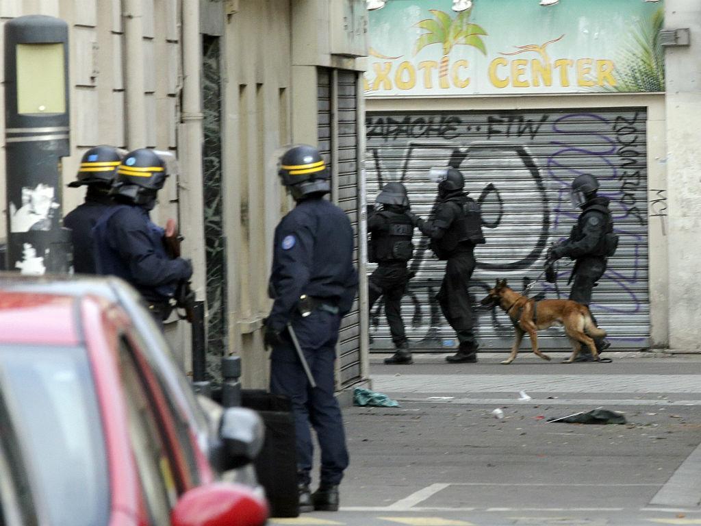 Operação antiterrorista em Saint Denis, Paris [ Reuters]