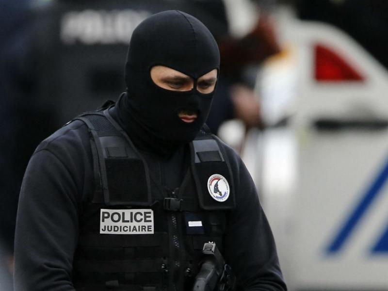 Operação antiterrorista em Saint Denis, Paris [EPA/Lusa]