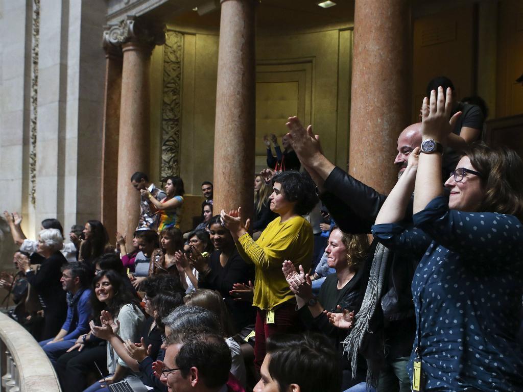 Partidos votam a favor da adoção de crianças por casais homossexuais