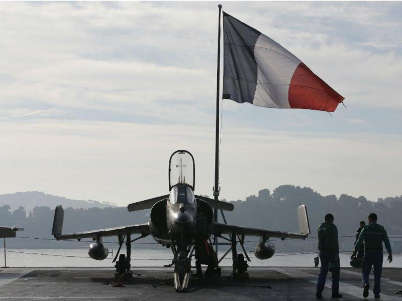 Forças militares francesas preparam-se para apoiar as operações contra o Estado Islâmico, na Síria e no Iraque