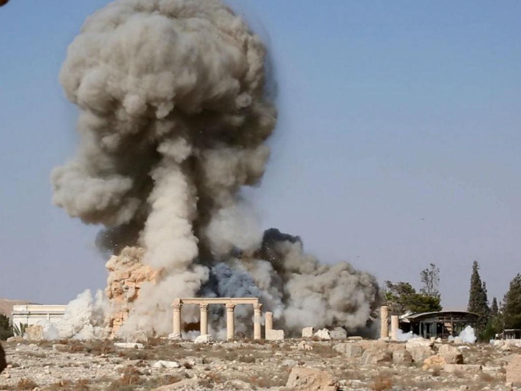 Estado Islâmico destrói templo romano