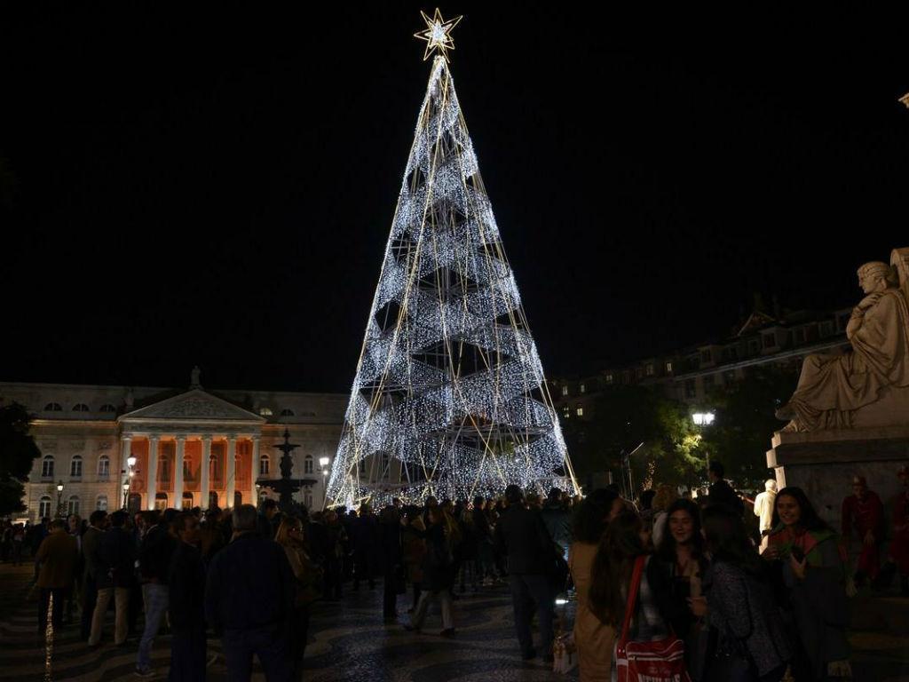 Natal 2015 - Iluminação em Lisboa (Fonte: Facebook oficial da Câmara Municipal)