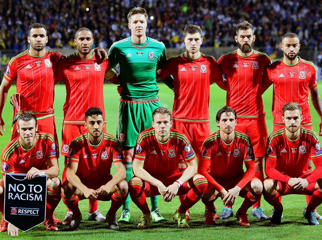 0213ca6369836 País de Gales  bola em Bale e fé no grupo