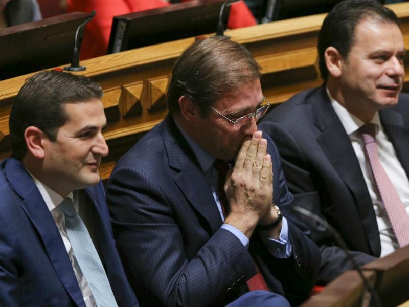 Luís Montenegro, Pedro Passos Coelho e Hugo Soares (MIGUEL A. LOPES/LUSA)