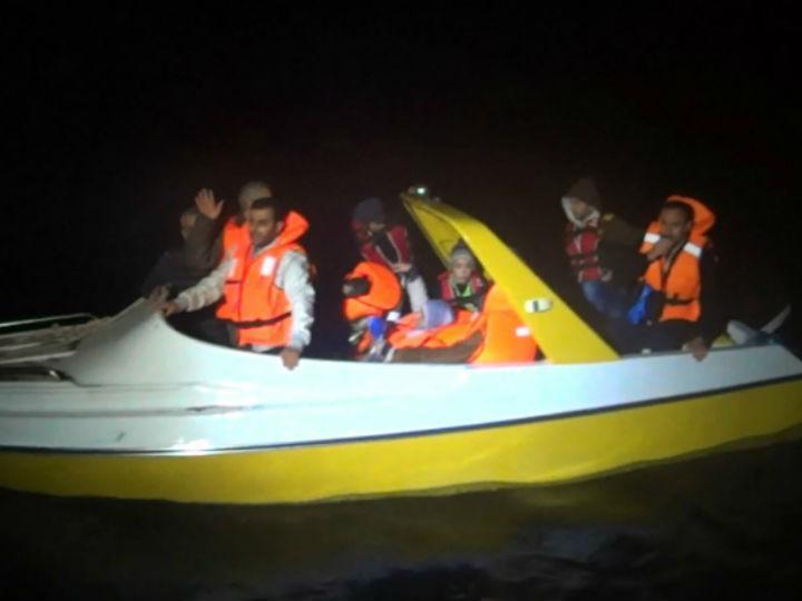 Polícia Marítima resgata família de refugiados (DR)