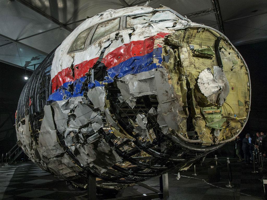 13 DE OUTUBRO: Conselho de Segurança holandês divulga relatório final sobre o Boeing 777 da Malaysia Airlines que foi abatido, em julho de 2014, por um míssil BUK no leste da Ucrânia. Primeiro-ministro da Malásia reiterou o pedido para que seja feita justiça às 298 vítimas do voo MH17 (REUTERS)