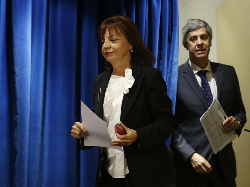 Ministra da Presidência e da Modernização Administrativa, Maria Manuel Leitão Marques acompanhada pelo Ministro das Finanças, Mário Centeno (PEDRO NUNES/LUSA)