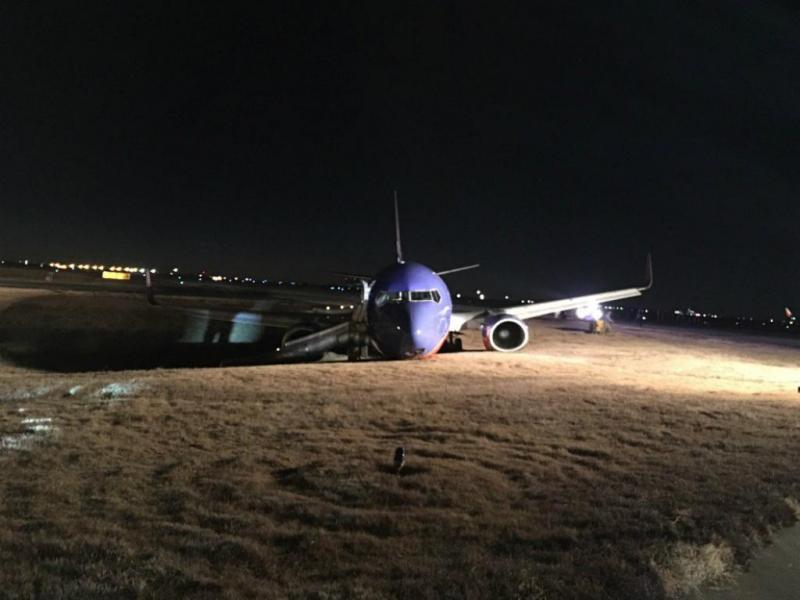 Avião sai da pista em Nashville, EUA