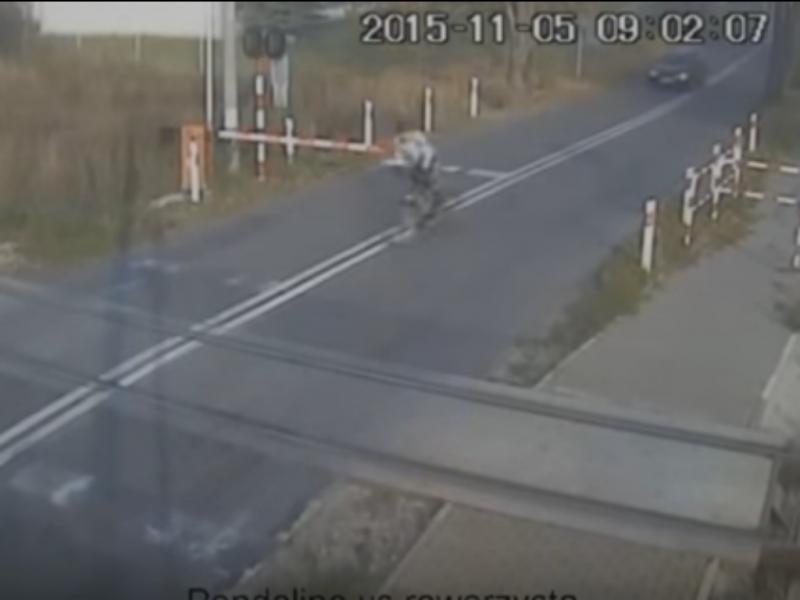 Ciclista sobrevive a colisão com comboio de alta velocidade