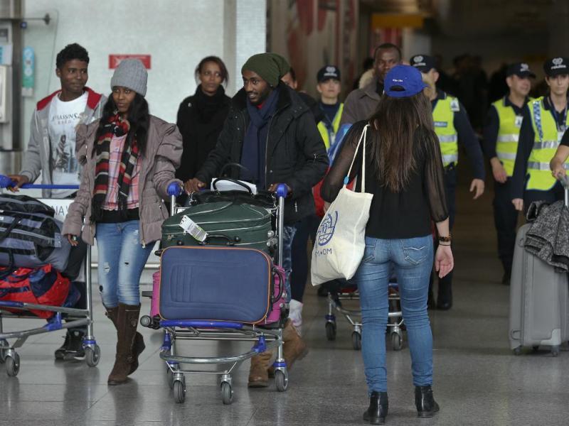 Primeiros refugiados chegam a Portugal