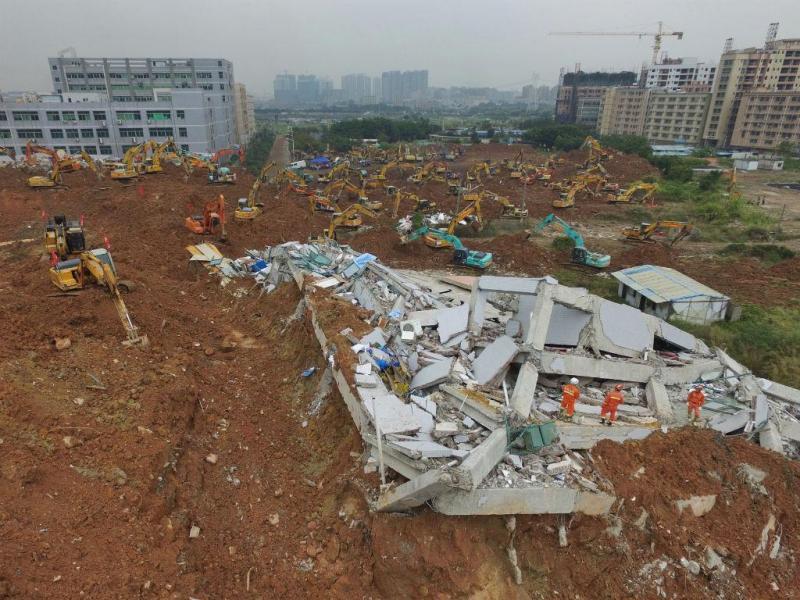 China: equipas descobrem primeiro cadáver  dois dias após acidente