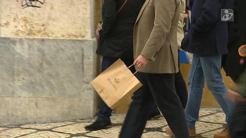 Natal: portugueses fizeram mais compras mas gastaram menos este ano