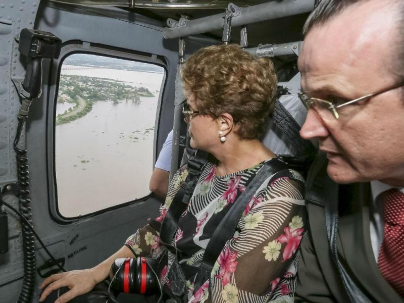 Dilma visita zonas inundadas (Reuters)