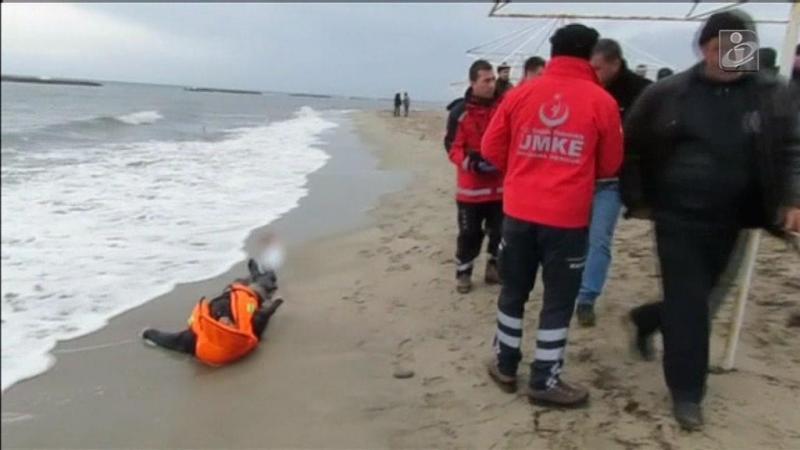 Três crianças entre as 21 vítimas de mais um naufrágio na Turquia