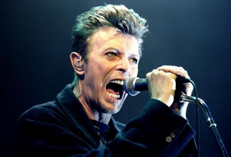 David Bowie durante concerto em Viena, na Áustria, em 4 de fevereiro de 1996.