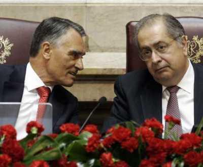 Cavaco Silva ao lado de Jaime Gama nas cerimónias do 25 de Abril no Parlamento (António Cotrim/LUSA)