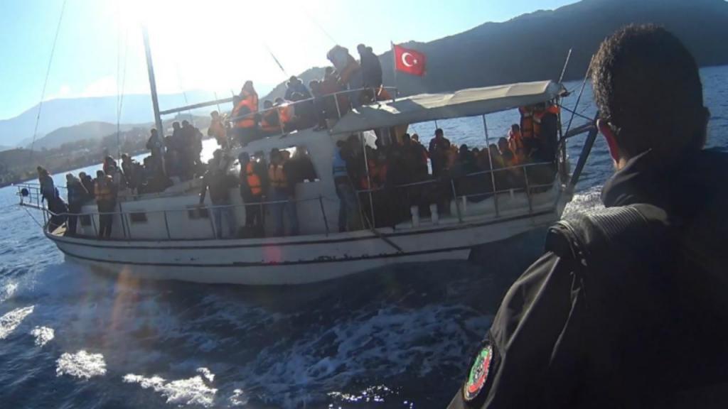 Polícia Marítima resgata migrantes ao largo de Lesbos