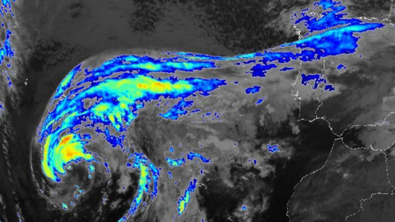 Imagem de satélite do furacão Alex sobre os Açores