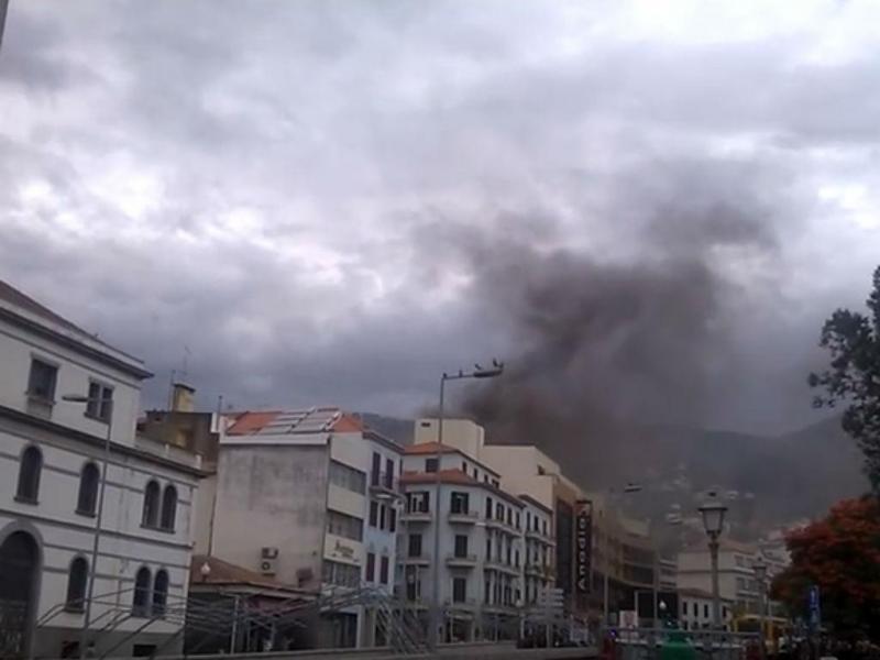 Incêndio no centro comercial do Anadia
