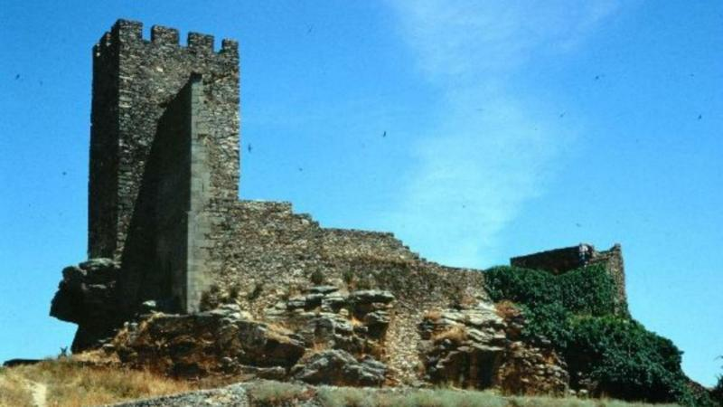 Castelo de Mogadouro