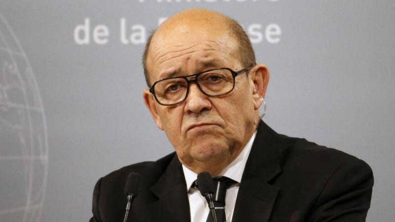 Ministro francês da Defesa Jean-Yves Le Drian