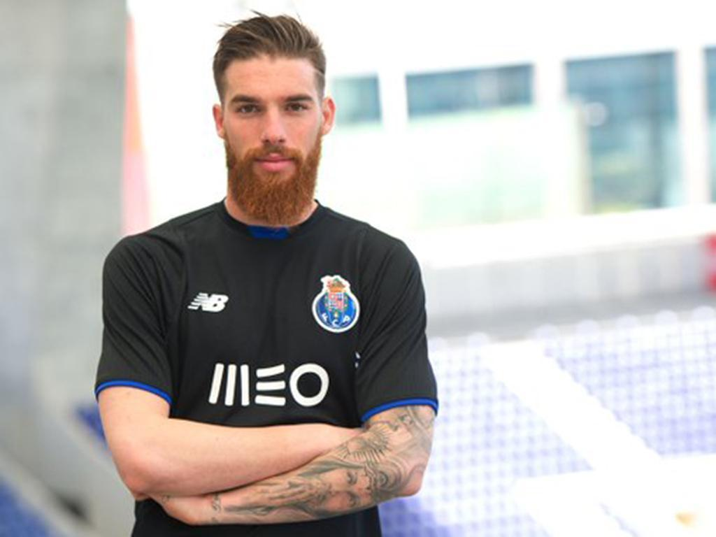 Apresentação de Marega e Jose Sá (Foto: Twitter FC Porto)