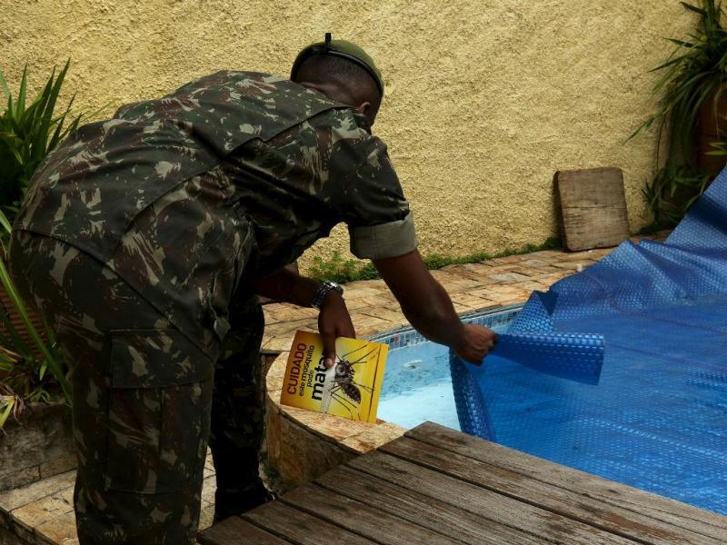 Militar brasileiro no combate ao mosquito em São Paulo