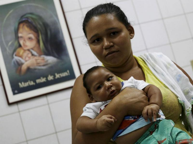 Rain Gomes com o filho Alessandro