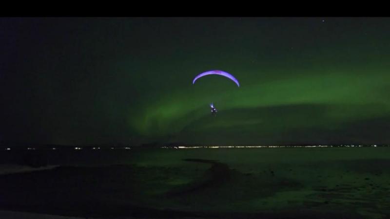 Horacio Llorens a partir em direção à Aurora Boreal, na Noruega (Reprodução Youtube/ Red Bull)