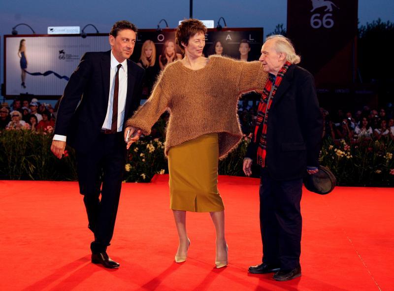 Jacques Rivette (à direita) com os atores Jane Birkin e Sergio Castellitto