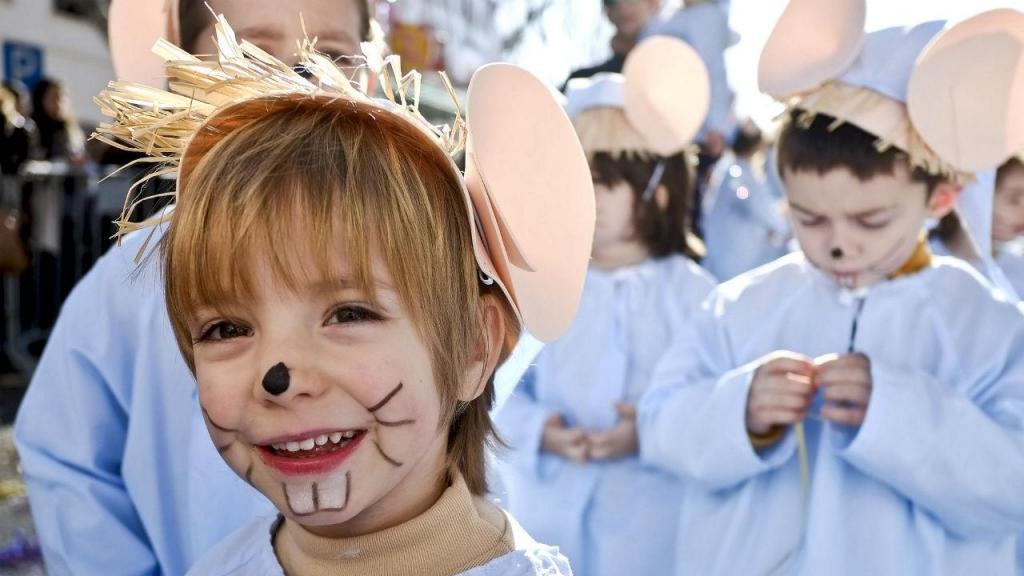 Desfile de crianças no carnaval de Torres Vedras