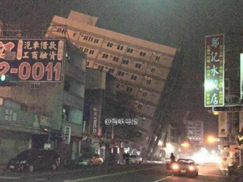 Taiwan: edifício colapsa após sismo