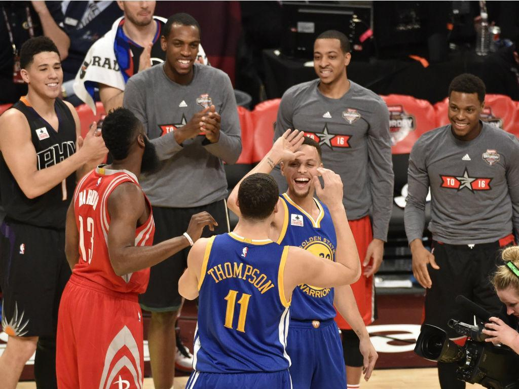 Klay Thompson destrona Curry como «rei dos triplos» (EPA)